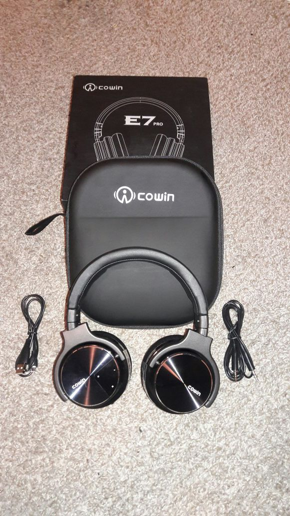 cb13b5234d1 Cowin E7 PRO Bluetooth headphones for Sale in Bakersfield, CA - OfferUp