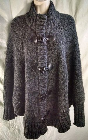 ❤ Michael Kors Toggle-Closure Poncho Sweater Med. for Sale in Glen Burnie, MD