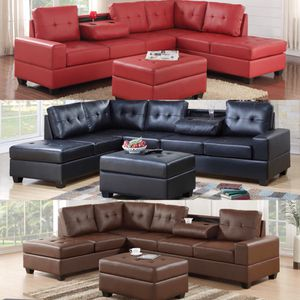 REVERSIBLE SECTIONAL WITH FREE STORAGE OTTOMAN for Sale in Houston, TX
