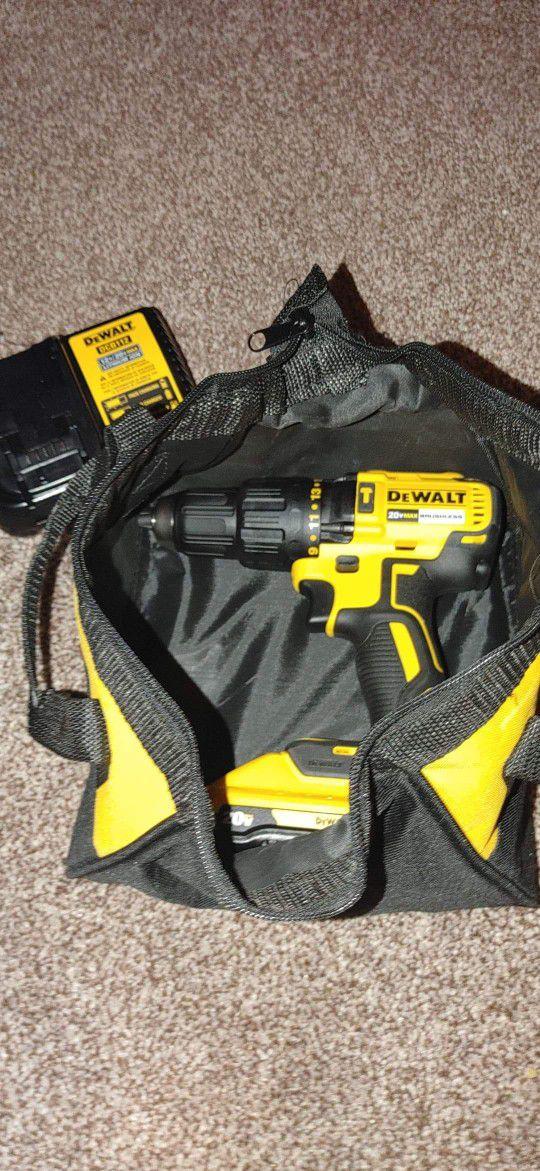 DeWalt  Hammer Drill Driver -kit  20v 3AMPH🔋+ Charger + Tool Bag