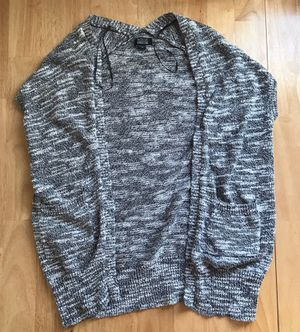Nollie Sleeveless Grey/White Sweater Cardigan in Size XS for Sale in Herndon, VA