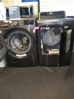 LG new scratch and dent Front load washer and used electric dryer in great condition Thumbnail