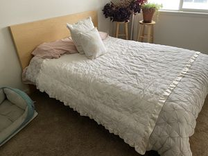 Photo IKEA Malm queen bed frame