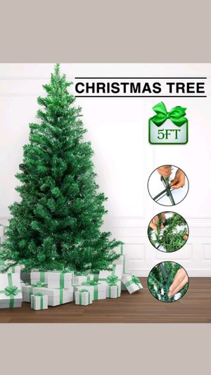 Chritsmas tree 5ft for Sale in Silver Spring, MD