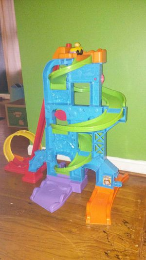 $20 Fisher Price Little People Car Race Track. for Sale in Silver Spring, MD