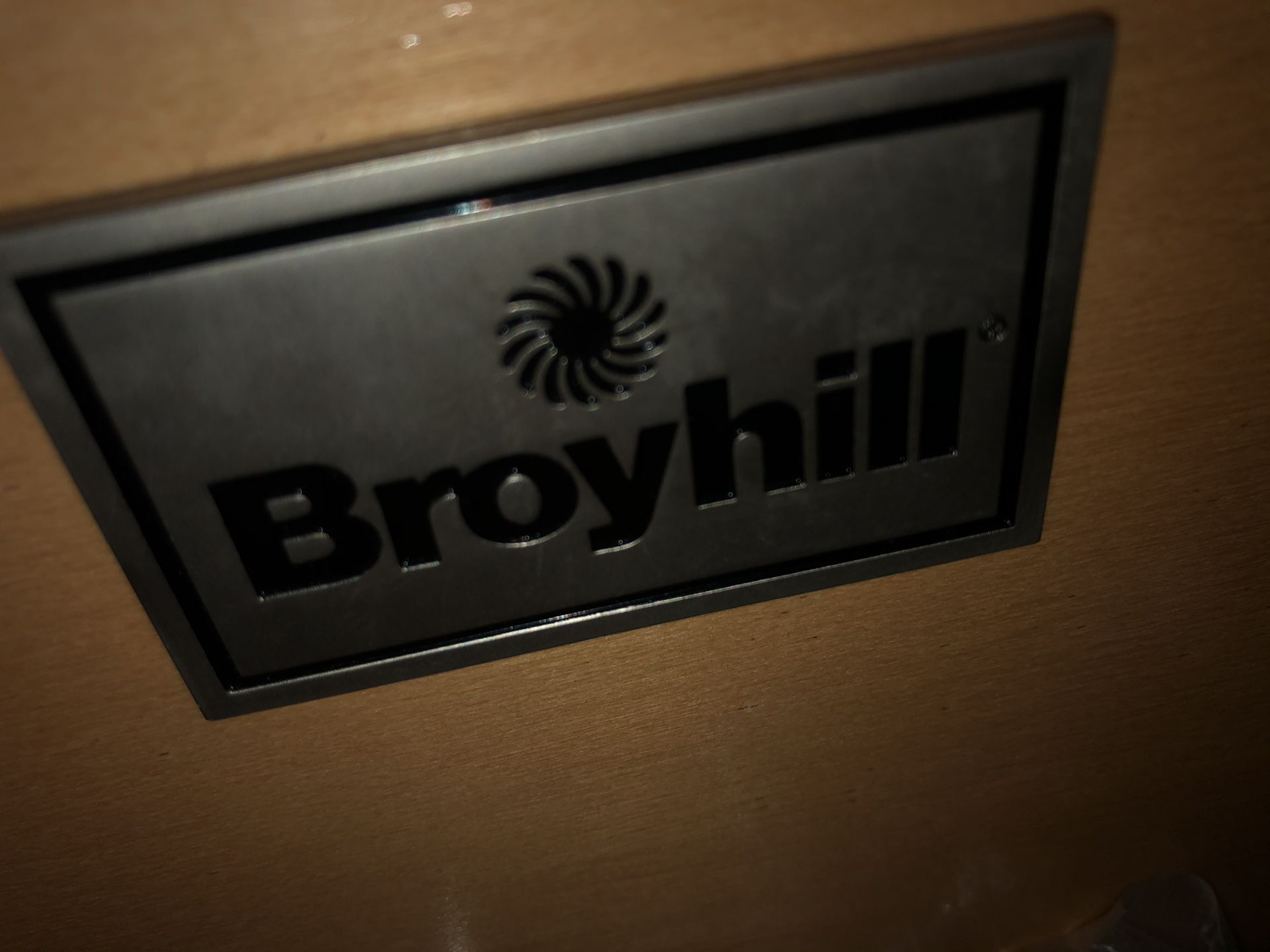 Broyhill Bedroom Set — With Lamps -Mattress Not Included