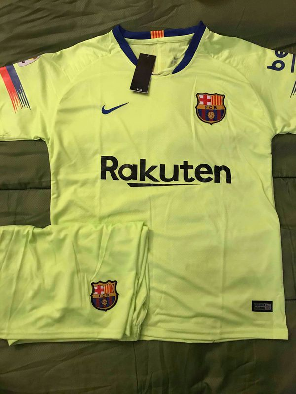 sale retailer e3639 a2e84 2018/2019 Barcelona Away Kit (Large) for Sale in Orange, CA - OfferUp