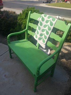 Photo Solid wood outdoor bench