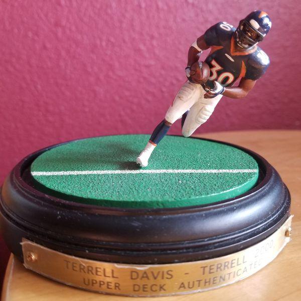 DENVER BRONCO DAVIS for Sale in Denver, CO - OfferUp