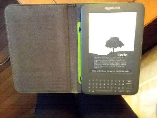 Offerup Las Vegas >> Amazon Kindle w/case (Electronics) in Las Vegas, NV - OfferUp