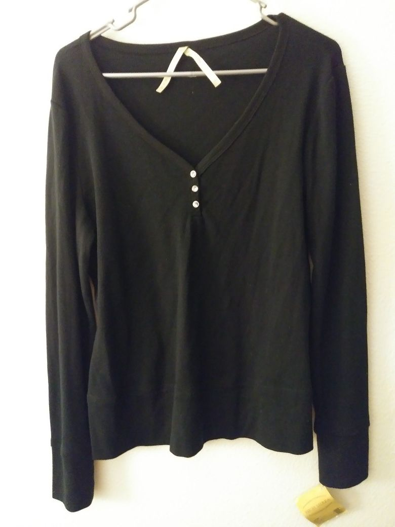 New Womans size large long sleeve top