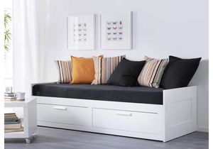 Photo IKEA twin bed frame