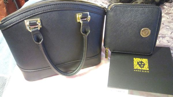a9c33bc084 New and Used Wallets for Sale in Cerritos