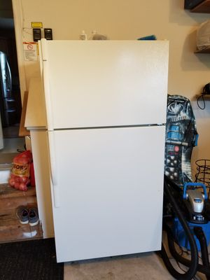 Kenmore refrigerator for Sale in Gaithersburg, MD