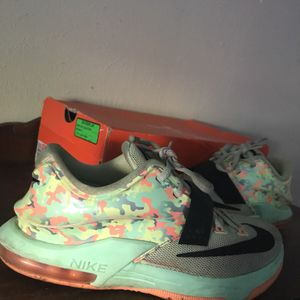 KD Easter 7 for Sale in Dallas, TX