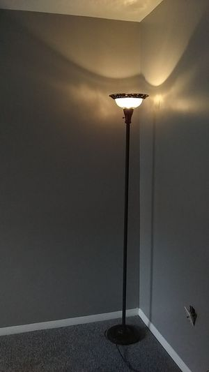 Elegant looking floor lamp for sale for Sale in Gaithersburg, MD