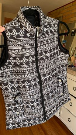 New! Black and white Vest Thumbnail