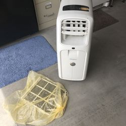 Air conditioner portable with filters Thumbnail