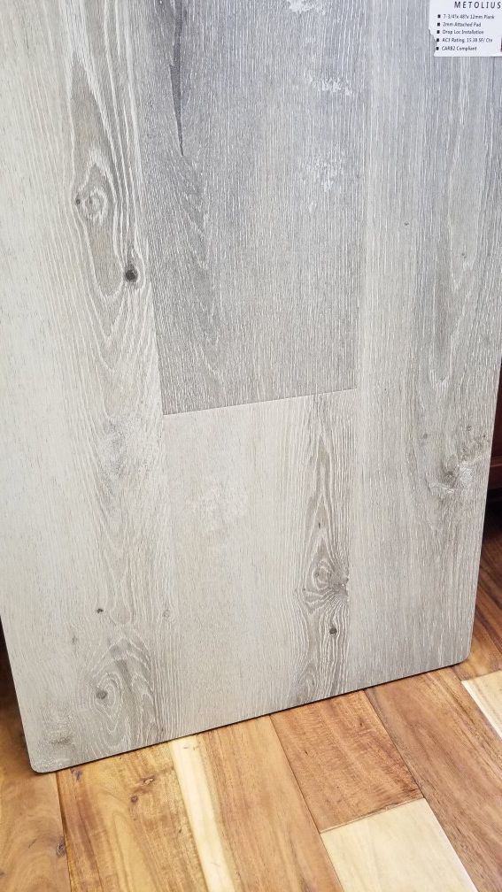 12mm Laminate Flooring With Pad For Sale In Portland Or Offerup