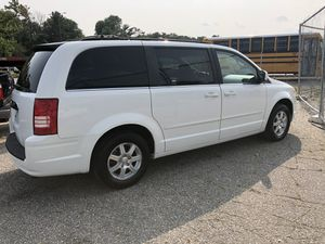 2008 Chrysler town & country for Sale in Aspen Hill, MD