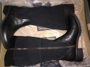 Women's tall timberland boots for Sale in Boston, MA