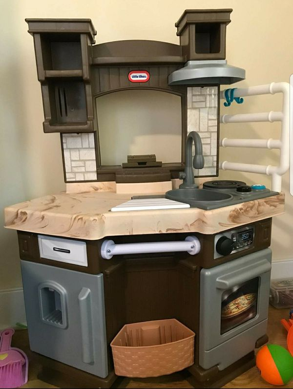 Little Tikes play kitchen for Sale in Stone Mountain, GA - OfferUp
