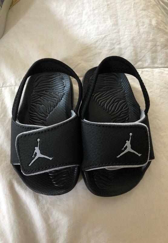 d5780b208 Toddler Air Jordan flip flop sandals size 7C for Sale in Coral ...