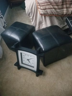 Leather banquitos for Sale in Gaithersburg, MD