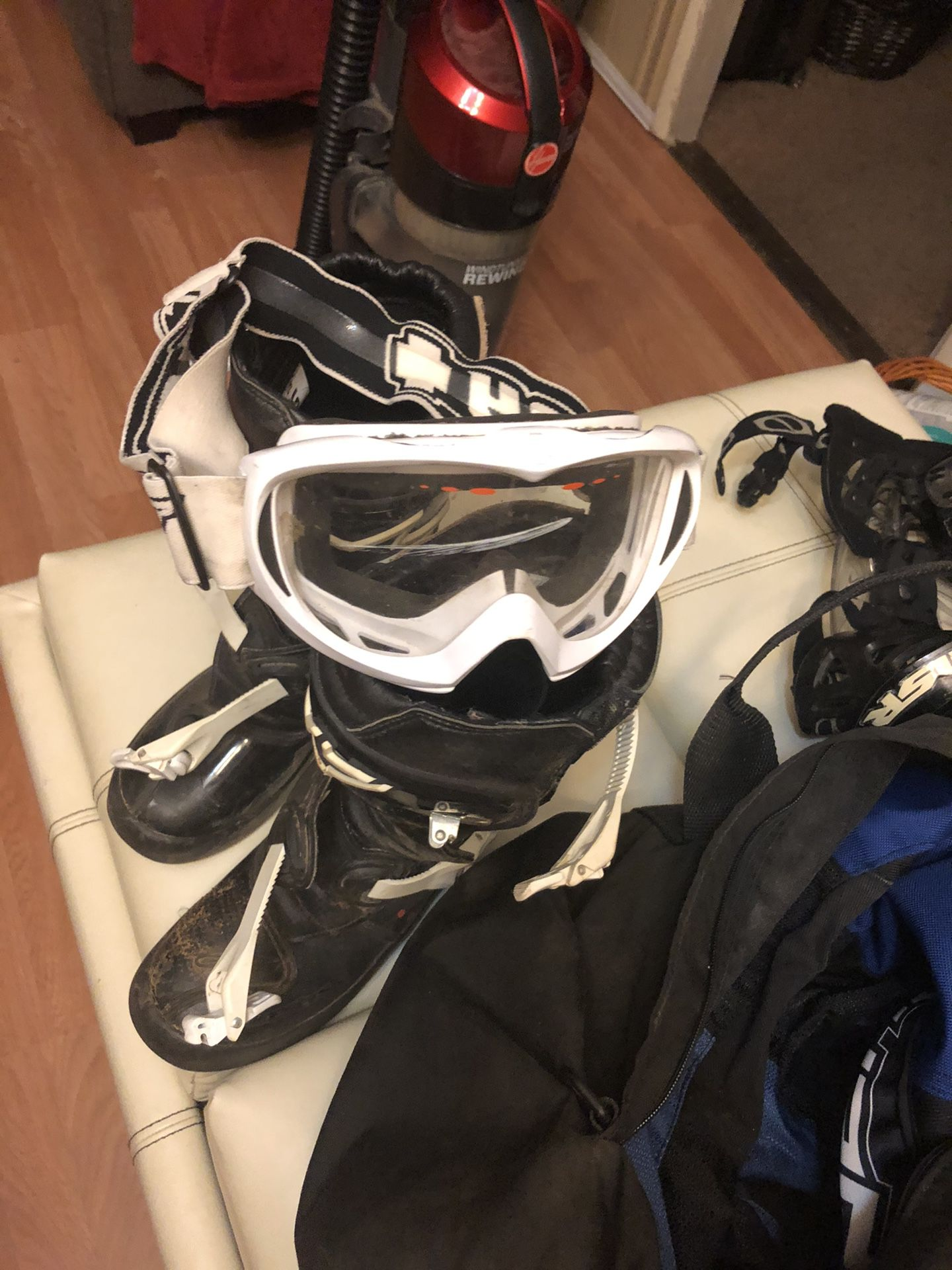 Motorcycle equipment 10T