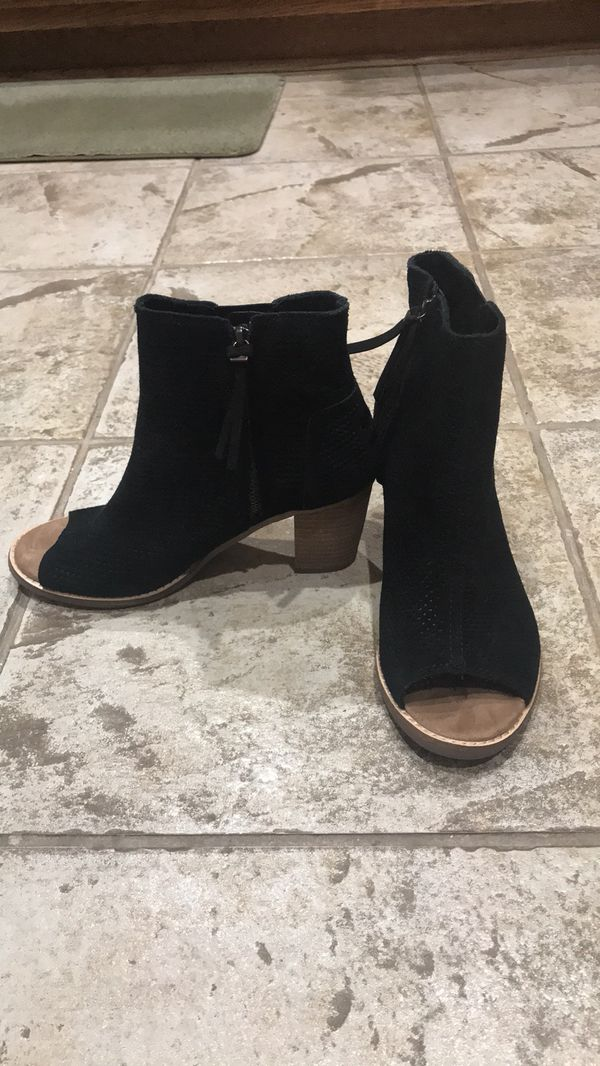 Toms Majorca suede bootie for Sale in Anaheim, CA - OfferUp