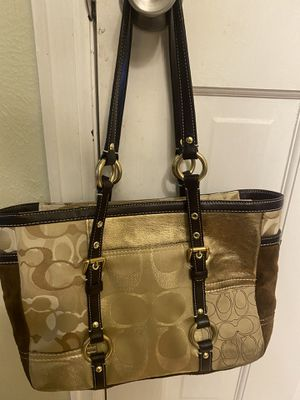 Photo Coach Purse with wristlet
