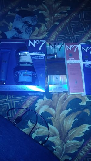 Number 7 line correcting booster serum and a face & neck multi-action serum Lift and Luminate triple-action serum and a Lift plus more for sale  Tulsa, OK