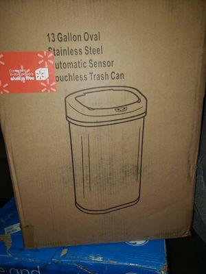 Photo 13 gallon sensors trash can