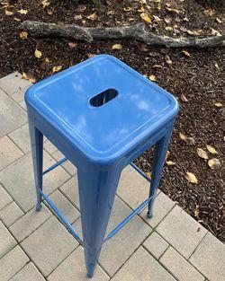 4 blue metal stools, like new! Thumbnail