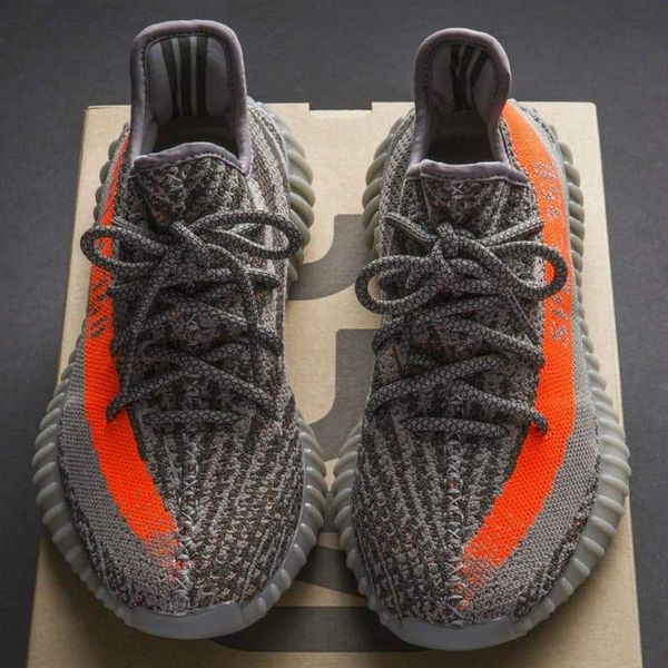 wholesale dealer b1d99 990df Adidas Yeezy Boost 350 v2 for Sale in Silver Spring, MD - OfferUp