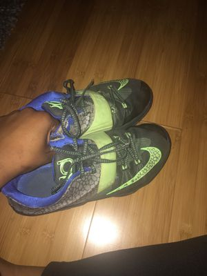 Boys Sneakers size 5 Kd 7 for Sale in Washington, DC