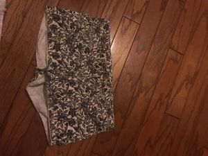 H&M flower denim shorts, size 10 for Sale in Crownsville, MD