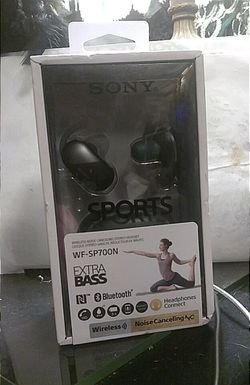 NEW SONY SPORTS WIRELESS NOISE CANCELING STEREO HEADSET Thumbnail