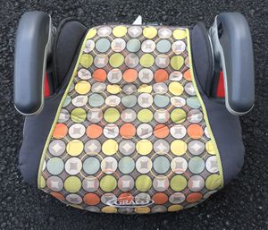 GRACO Backless Car Booster Seat ( Polka Dot Seat Cover) for Sale in Clarksburg, MD