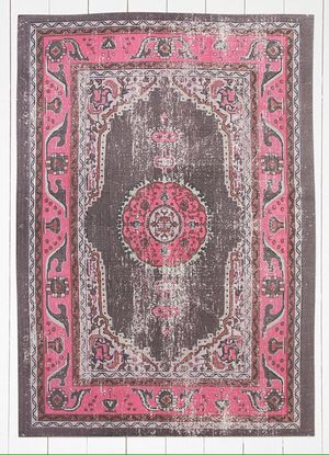 MOVING - 5x7 Salma rug pink for Sale in Washington, DC