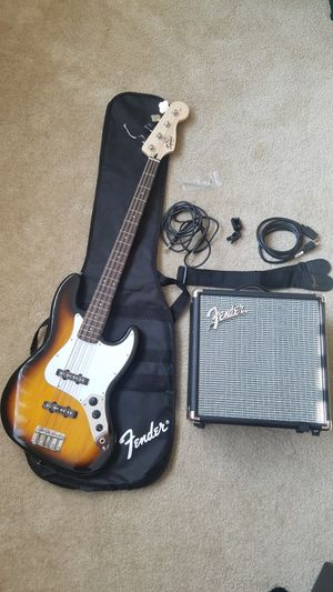 Like New Fender Squier J Bass w/Amp Set for Sale in Los Angeles, CA