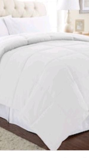 King size heavy comforter - bought for 60 $ for Sale in Ashburn, VA