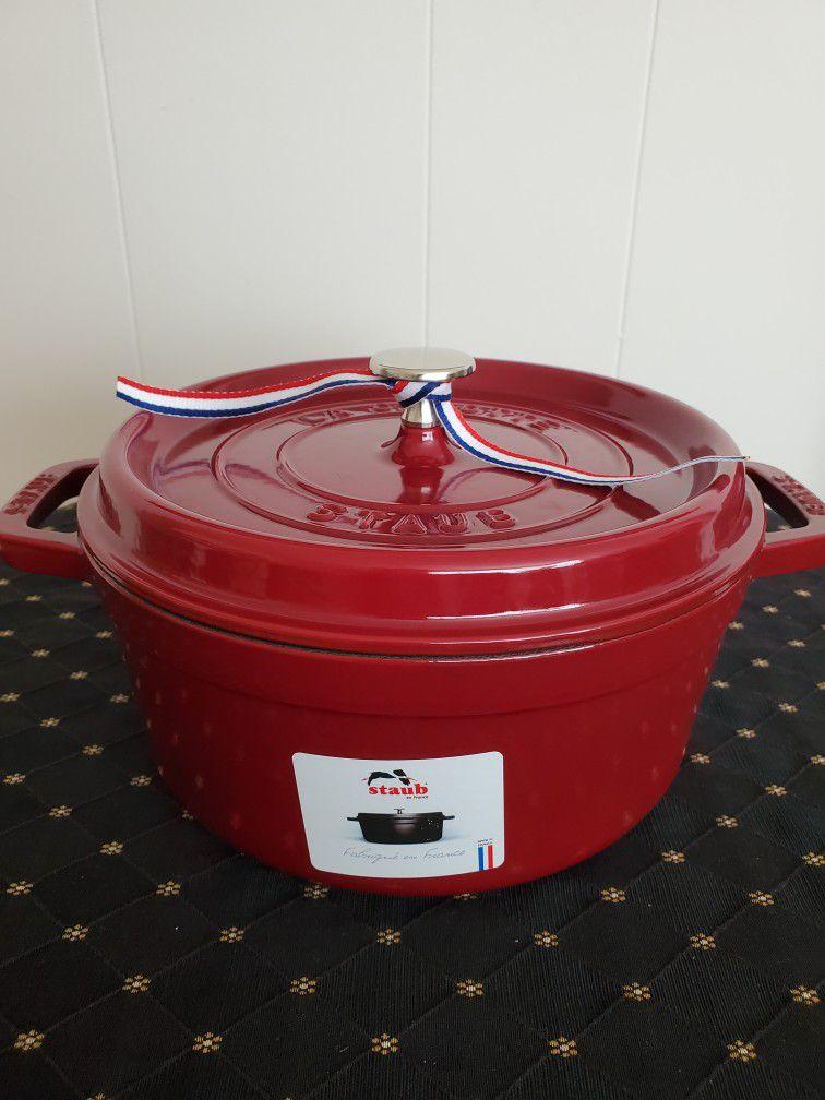 Staub Round Cocotte Pot