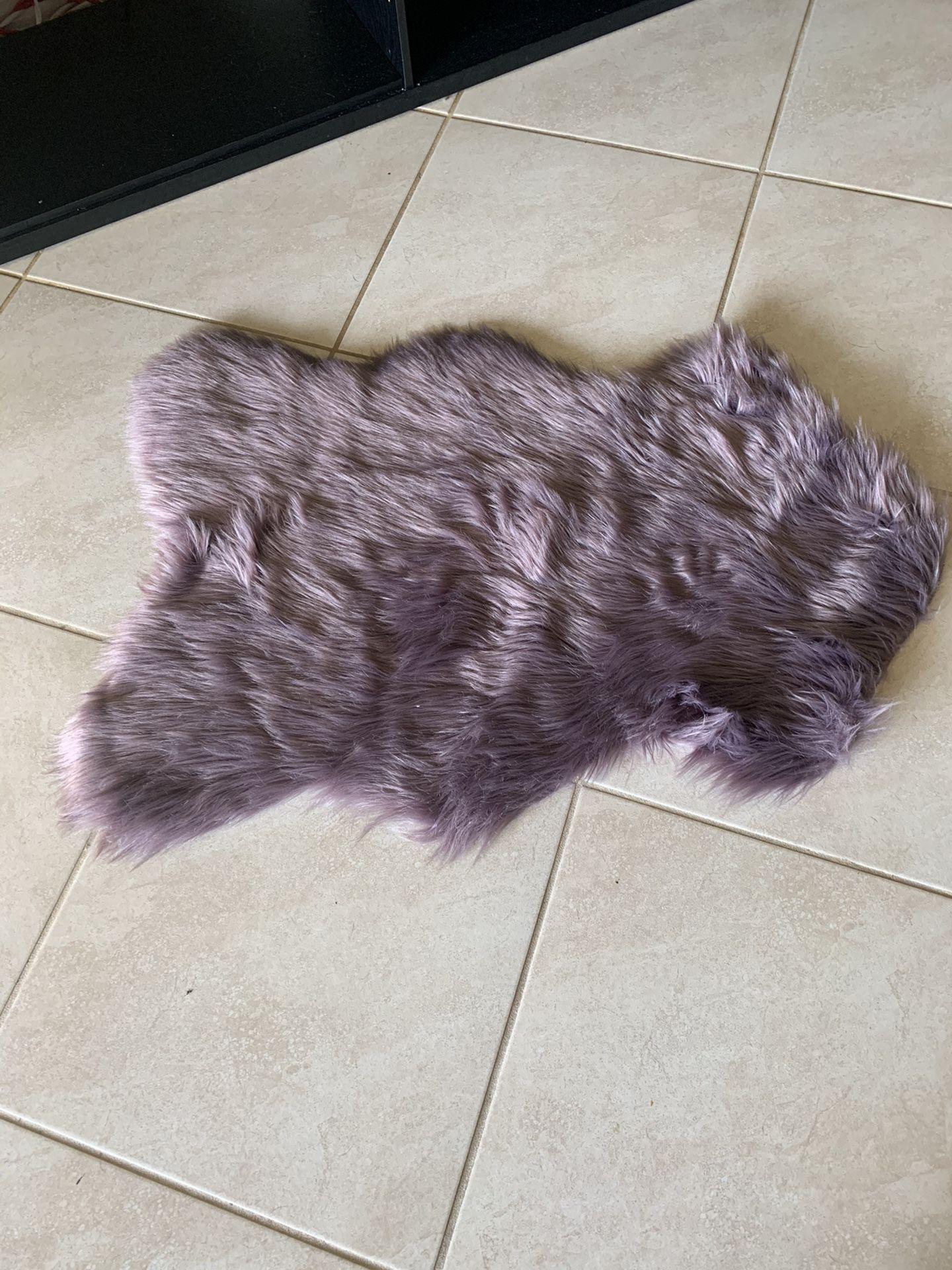 Light Fluffy Purple Accent Rug