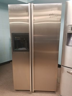 Refurbished stainless side by side refrigerator for Sale in St Louis, MO