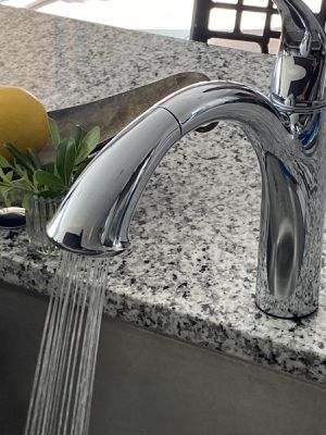 Photo Modern Moen Kitchen Faucet