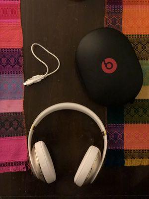 Beats Studio Wireless Headphones (white&gold) for Sale in Seattle, WA