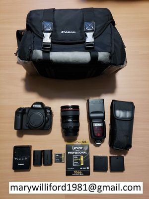 Canon EOS 5D Mark IV 30.4MP Digital SLR Camera for Sale in Washington, DC