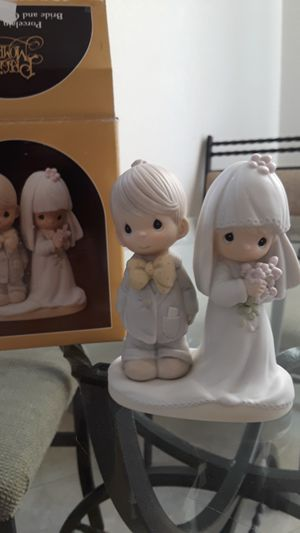 """Precious Moments """"The Lord Bless and Keep You"""" collectible statue. Perfect used condition. for Sale in Gilbert, AZ"""