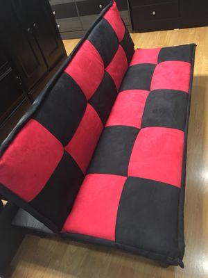 Futon sofa for Sale in Los Angeles, CA